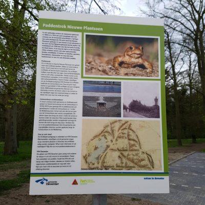 informatiebord over de paddentrek